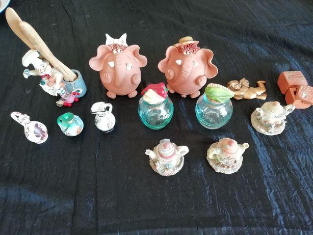 14 peças porcelana - Pequenas dimensões COMO NOVOS!!