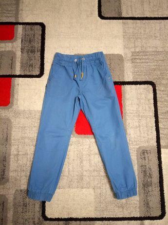 Spodnie r.122 dla chłopca f.Carry