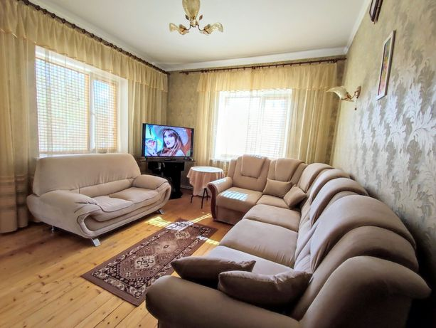 Продам чудовий будинок в м. Бровари. ціна-125000у.е