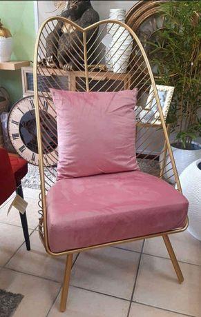 Cadeirão / Cadeira em Metal c/ Almofada  63x110cm ( Novo)