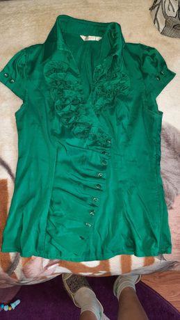 Продам зелену блузку в ідеальному стані