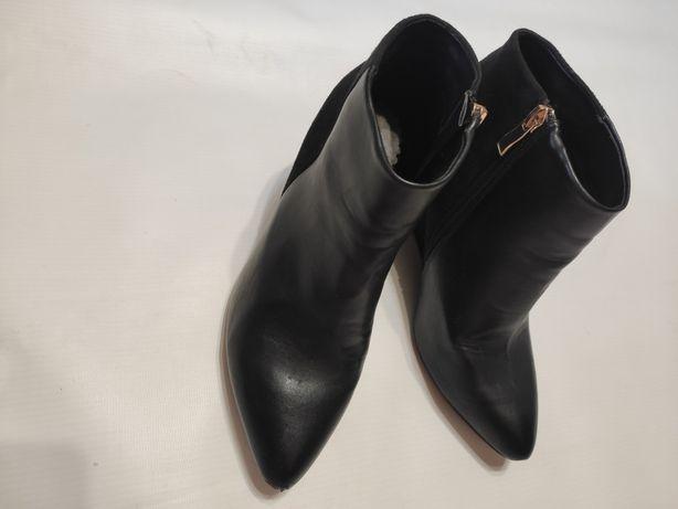 Трендовые демисезонные ботинки  37р