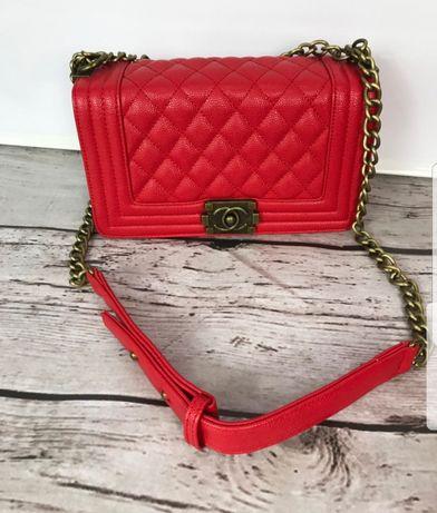 Nowa torebka pikowana czerwona chanelka