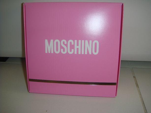 Набор MOSCHINO Fresh Pink