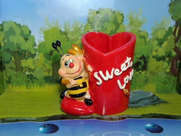 Подставка пчелка сердечко