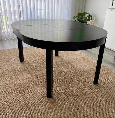 Conjunto de mesa de sala e 4 cadeiras