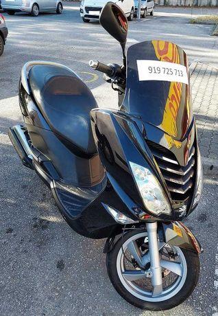 Maxi scooter oportunidade! Novo preço.