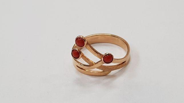 Przepiękny pierścionek damski/ 585/ 2.4 gram/ R12/ sklep Gdynia