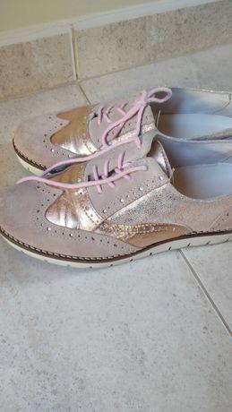 Sapatos Tapadas n37