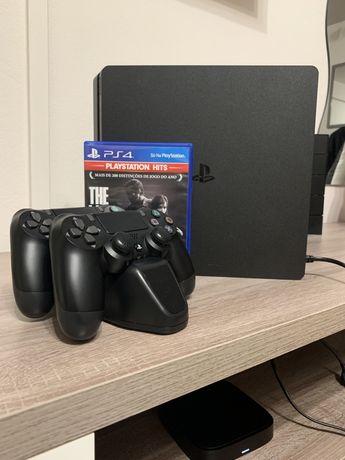 PS4 SLIM 500 GB + 2 Comandos + The Last of Us