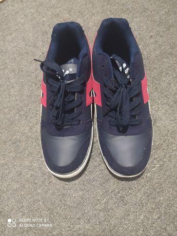 Продам чоловіче взуття