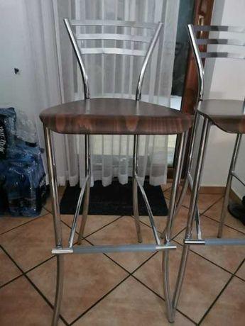 Krzesła,hokery 2 sztuki
