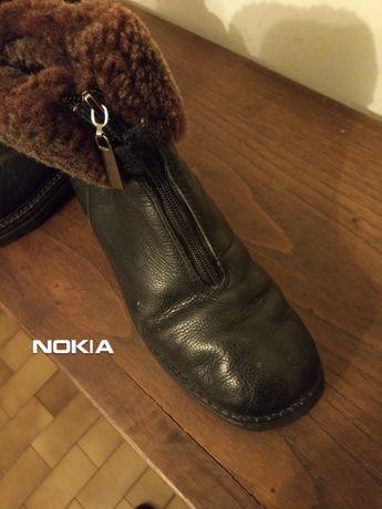 botas em pele marca khombu. em bom estado