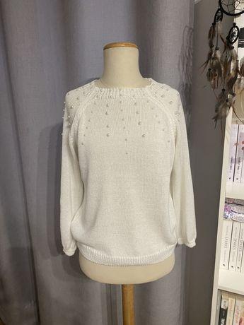 Bialy sweter z perelkami S/M