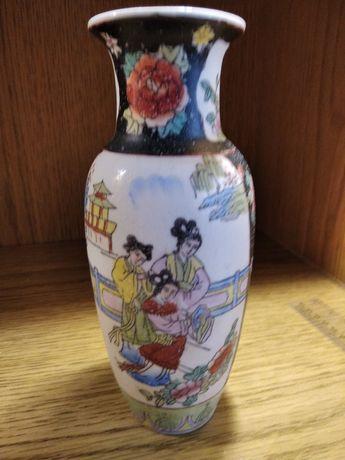 Продам фарфоровую вазу высота 20см