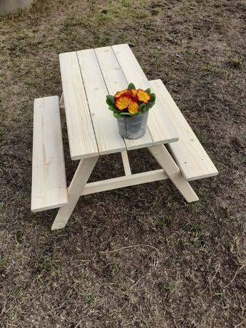 Stół ogrodowy dla dzieci