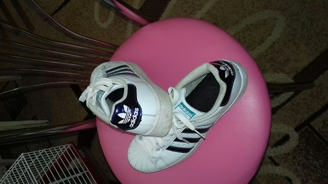 Продам кроссовки унисекс