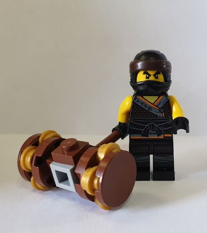 LEGO Ninjago Minifigurka njo455 Cole - Sons of Garmadon + broń