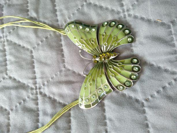 Naszyjnik zielony z motylem
