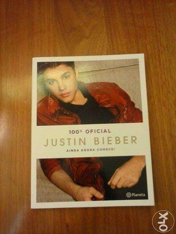 """Livro"""" 100%oficial Justin Bieber, Ainda agora começei""""."""