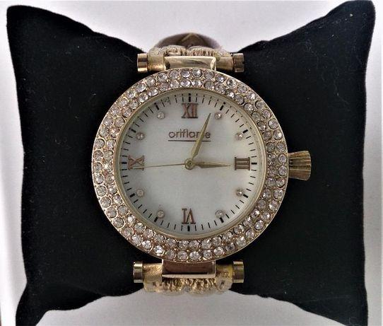 Продам элегантные дамские часы.