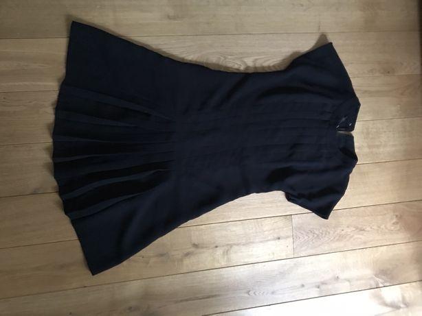 Czarna krótka plisowana sukienka mała czarna mango s