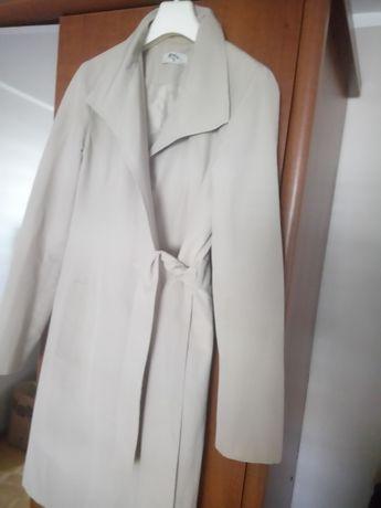 Damski płaszcz na wiosnę 36