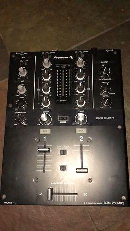 Mesa de Mistura Pioneer DJM 250 Mk2