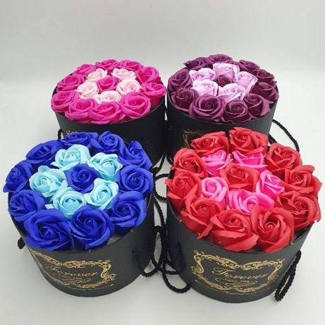 Подарочный набор мыла из роз в шляпной коробке мыльные цветы