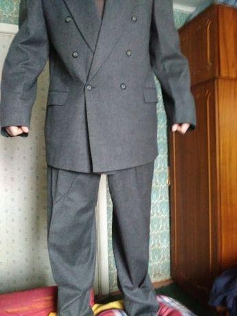 Костюм мужской Серый. Размер 54 - 56.
