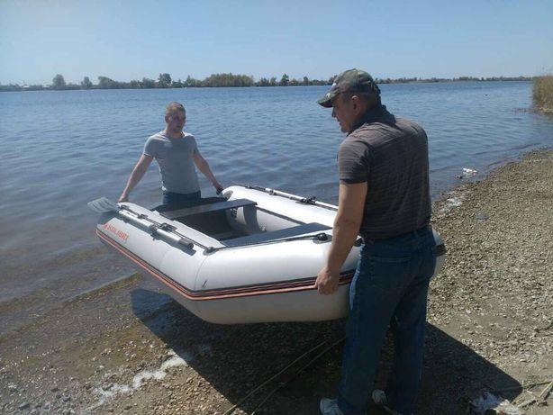 Продам моторную лодку KOLIBRI KM 300 +MARINER 4 л.с.