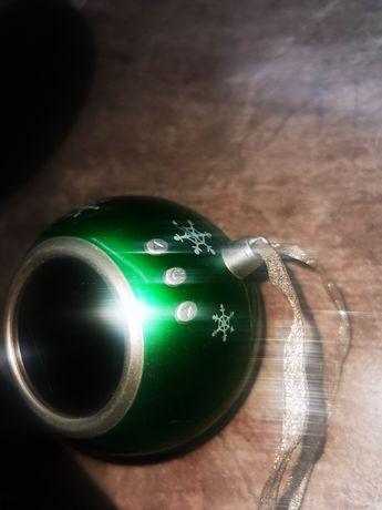 Часы в шарике зелёного цвета, будильник, дата
