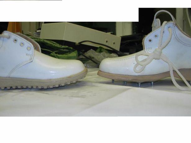 Туфлі - кросівки шиповані і звичайні білі