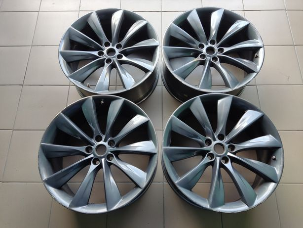"Продам диски 21"" на Tesla Model S."