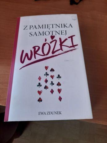 """Książka """"z pamiętnika samotnej wróżki """""""