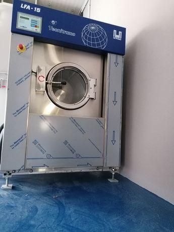 Máquina e equipamentos de lavar roupa industrial  Açores