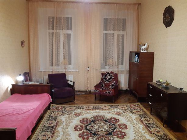 Сдаётся комната в 4-х комнатной квартире,  Центр,  рядом с Кирхой.