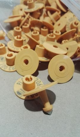 AGENCYJNY kolczyk z numerem gospodarstwa; KOLCZYKI do znakowania ŚWIŃ