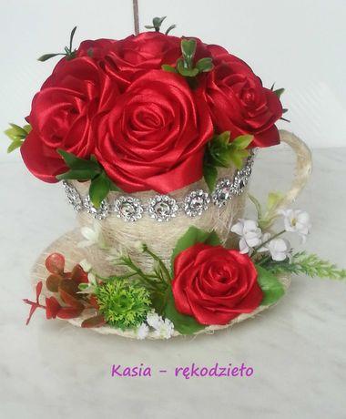 Filiżanki sizalowe z różami