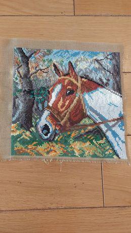 Obraz wyszywany metodą krzyżykową Koń