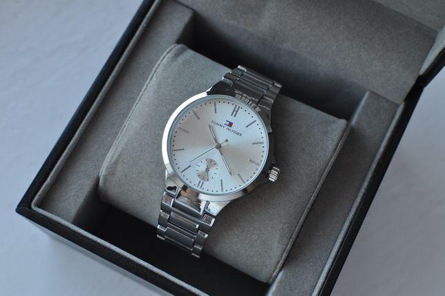 111 Zegarek Tommy Hilfiger