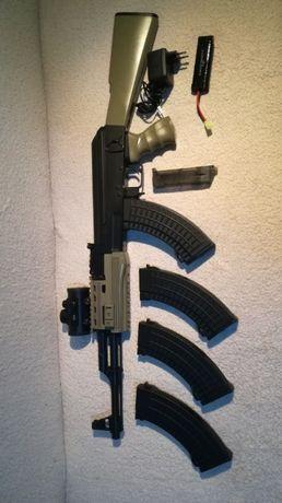 AK47 replika Karabinek szturmowy AEG SRT-09 + kolimator, magazynki