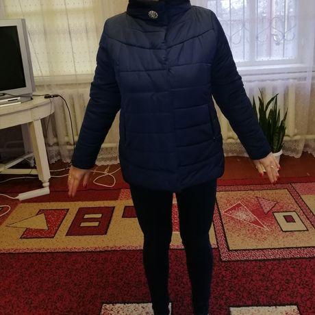 Продам женскую демисезонную куртку
