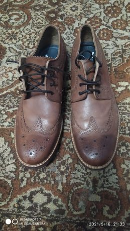 Туфлі чоловічі броги.