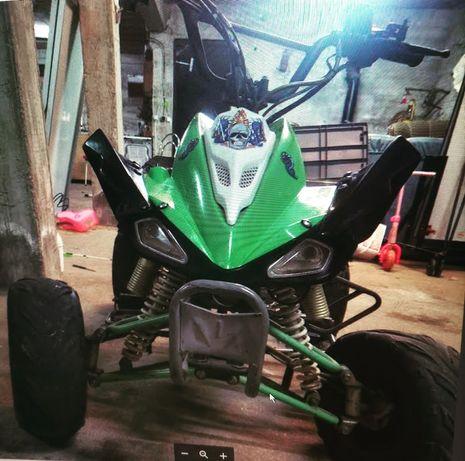 Vendo moto 4 125