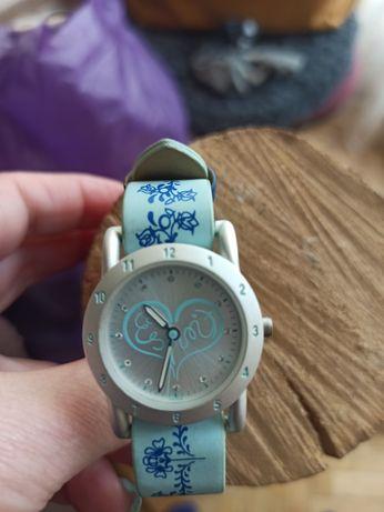 Детские часы в хорошем состоянии