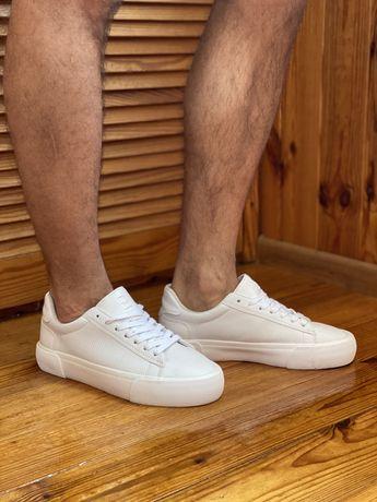 Продам мужские белые кеды / кросовки