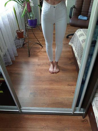 белые джегинсы / джинсы
