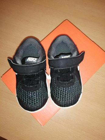 Sapatilha criança Nike 21