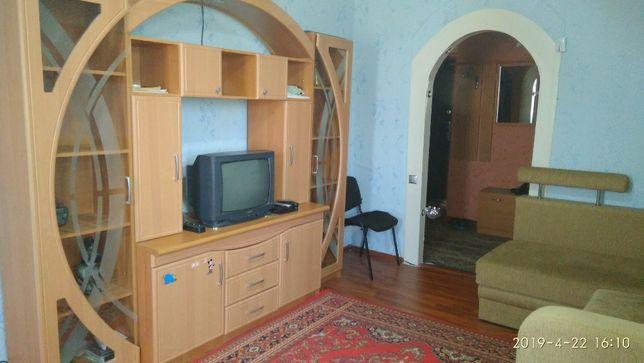 Продам 2-х комнатную квартиру в центре пгт. Веселое